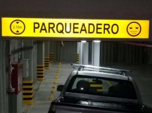 señal reflectiva parqueadero